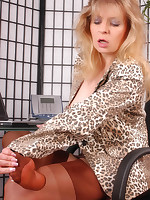 Welcome to Nylon-Angel.com ~Angel at office is playing with her stocking toes~