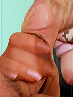Angel gives a geat nylon handjob ~*The World in Pantyhose . Nylons . and Stockings ; Pantyhoseinnylons.com*~