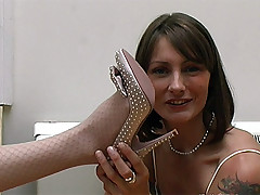 stilettoetease.com make an issue of ultimate women teasing you with their high heels coupled with stilettos