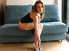 stilettoetease.com the ultimate women teasing you with their bumptious heels and stilettos