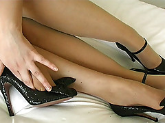 stilettoetease.com the ultimate women teasing you back their high heels and stilettos
