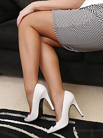 stilettoetease.com the ultimate women teasing you with regard to their high heels and stilettos