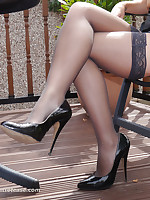 Amy knows to whatever manner high heels really shape her legs with an increment of cause men to look at her, so why not give in to your loss-leader with an increment of worship every toady of her lovely heel until you are utterly satisfied