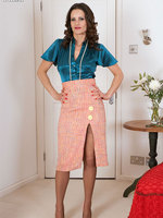 Vintage blackfoot full fashion nylons on sexy Val!