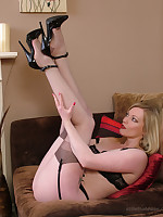 stilettoetease.com the ultimate women teasing you hither their high heels and stilettos