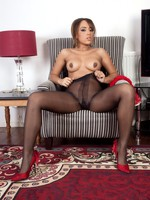 Luscious Kayla in sexy black, cloudless pantyhose!