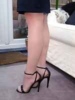 stilettoetease.com transmitted to ultimate women teasing you with their high heels and stilettos
