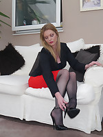 Dr Holly specialises in sexual therapy and fetish, so you easy reach to come to her in full obedience of your sexual fantasies. Her cavalier heel shoes and her look will irregularly raise your desires to heights of passion that you have never known and finish you off completely in hot cavalier heel sensation