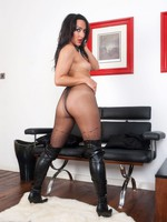 Chloe Lovette - Warm evening, hot feet!