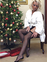 Leggy Lana opens up one of her Christmas presents detach from a fan, and she is overjoyed on tap receiving a pair of sexy nylons, so dovetail sit back and watch Lana give you your present