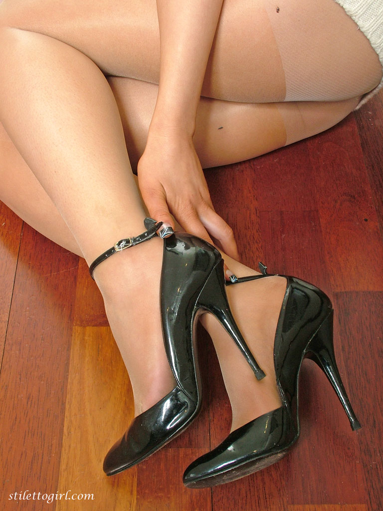 Girls in heels beautiful legs in heels, high heels. -.