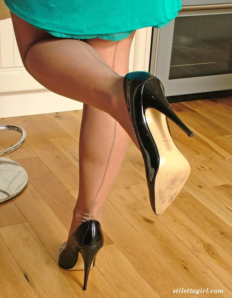 Free german vintage fisting wearing stiletto heels Porn Videos xHamster